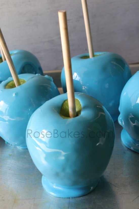 Bright-Blue-Apples